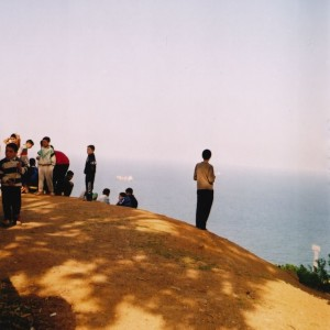 Watching the game from afar, Notre Dame d'Afrique, 2005 (©Malika Rahal)